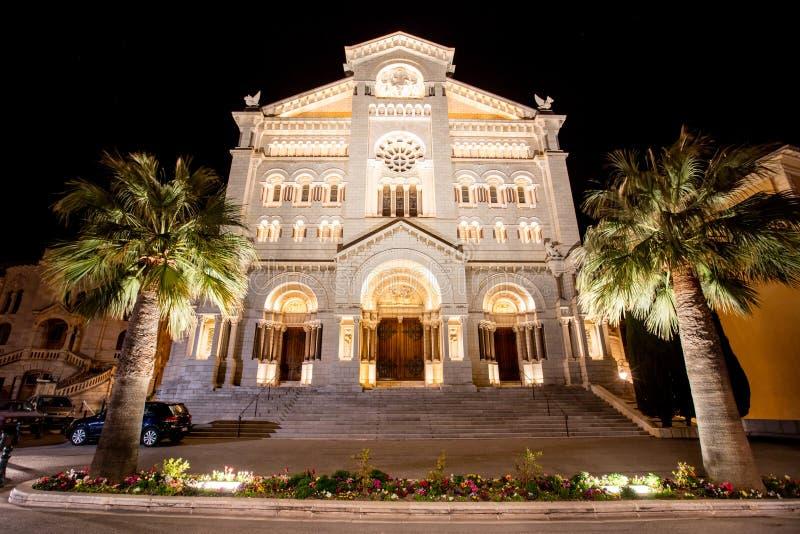 St Nicholas cathedrale i Monte - carlo, nattplats royaltyfri bild