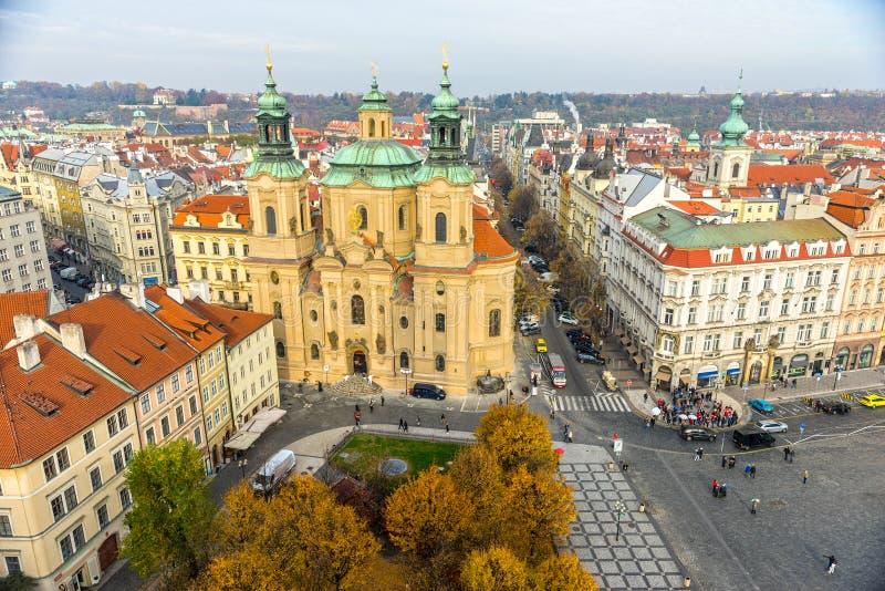 St Nicholas Church en Oud Stadsvierkant, Praag, Tsjechische Republiek royalty-vrije stock foto's