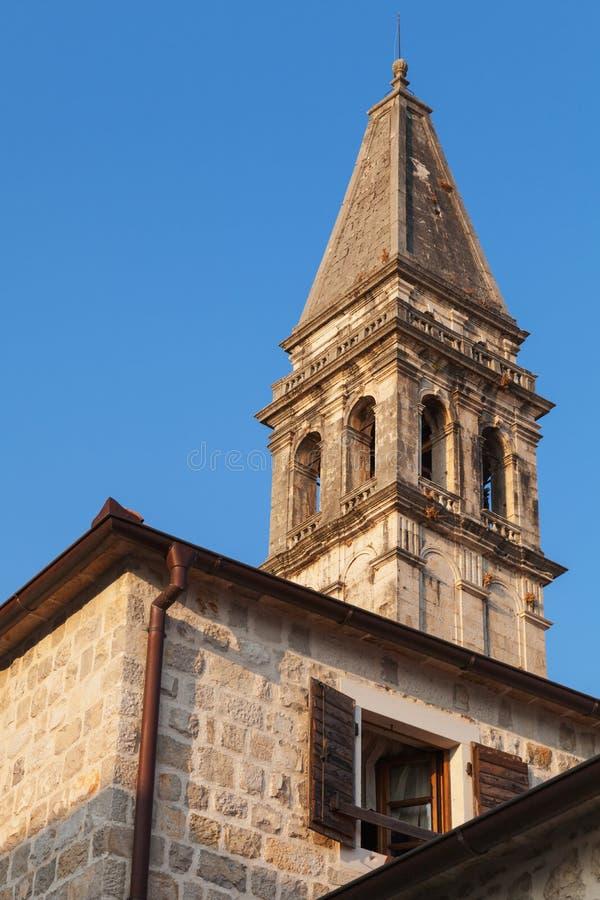 St. Nicholas Church i Perast. Kotor fjärd royaltyfri foto