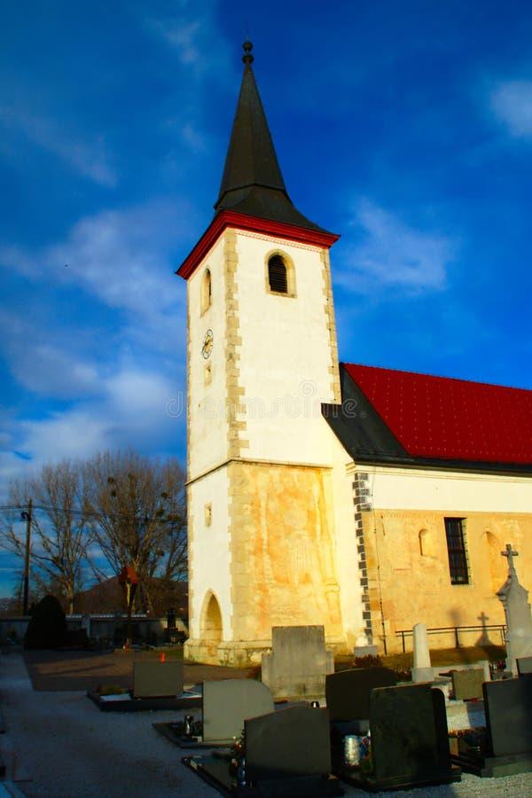 St Nicholas Church, MiklavÅ ¾, Slovenien royaltyfri bild