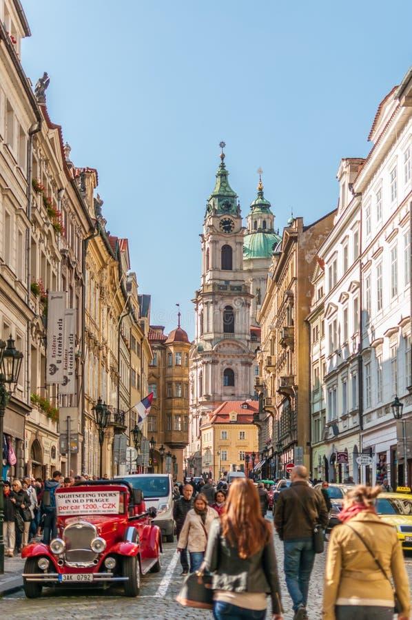 Download St. Nicholas Church In Praag Redactionele Stock Foto - Afbeelding bestaande uit oriëntatiepunt, beroemd: 39115338
