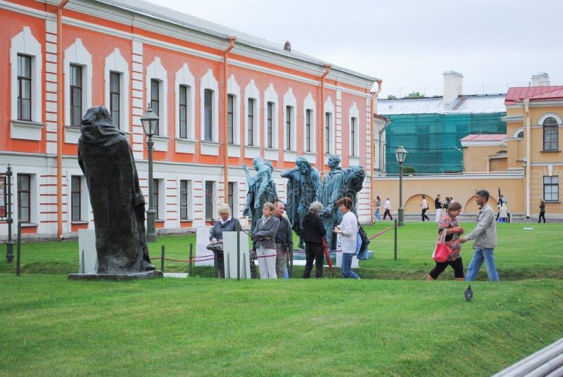 St PÉTERSBOURG, RUSSIE - 12 JUILLET 2015 : Architecture de la forteresse de Peter et de Pauls, centre de la ville historique de  photos libres de droits