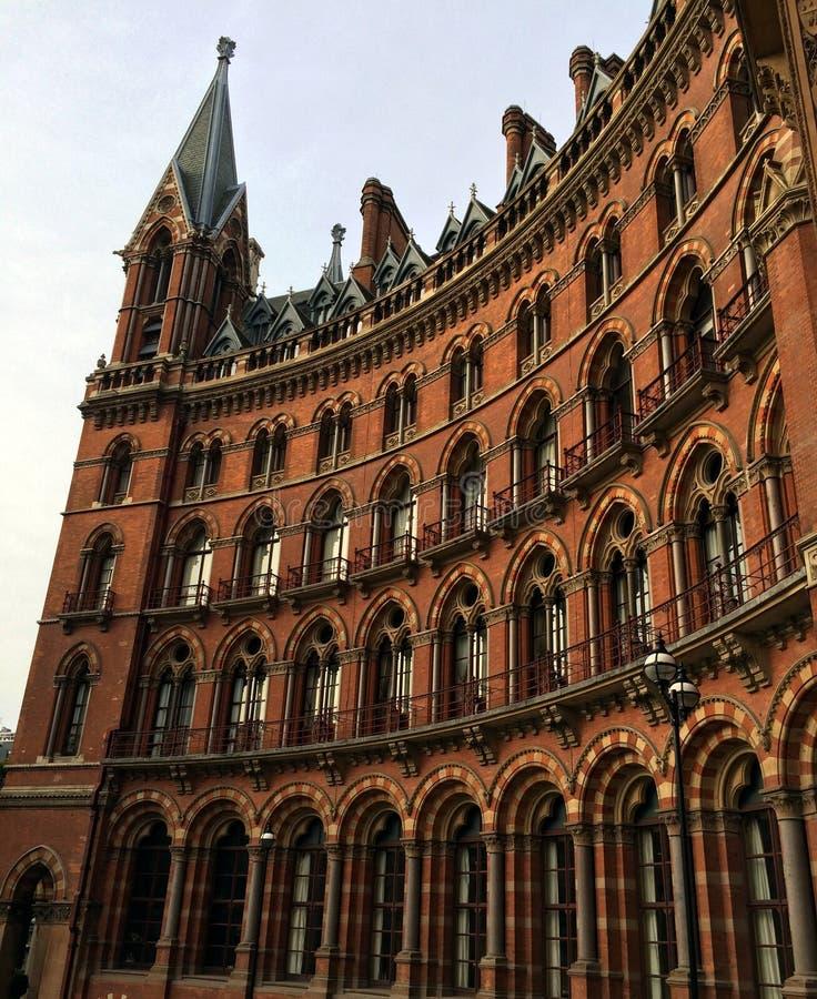 Download St Pancras hotel zdjęcie stock. Obraz złożonej z kolej - 57673676