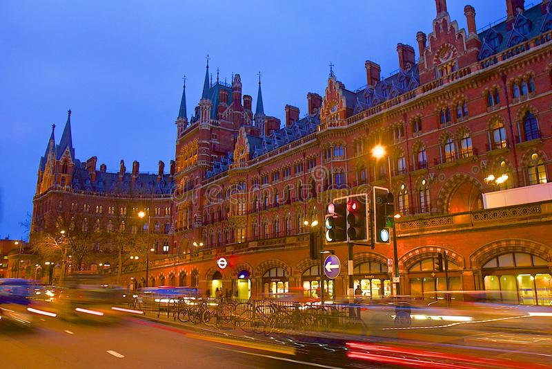 St Pancras internationell station i London arkivbild