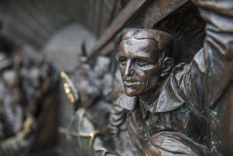 St Pancras stacja, Londyn, UK, Lipiec 17th 2019 spotkania miejsca rzeźba obraz stock