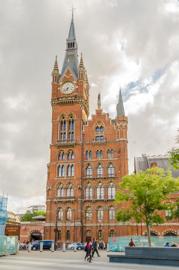 St Pancras station, London, UK arkivbilder