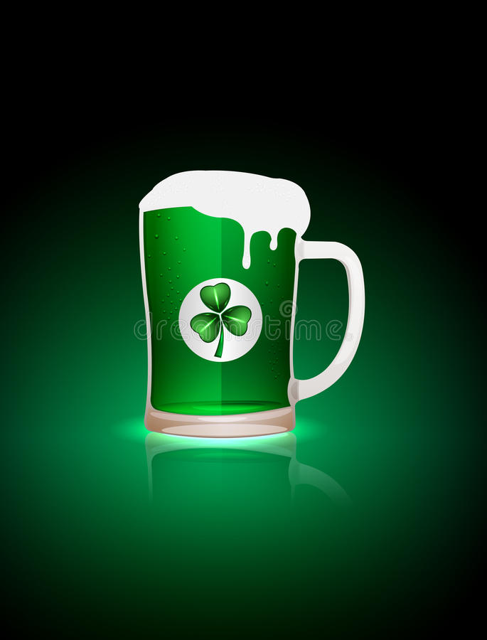 St.Patrick Beer Mag With Clover Leaf Royalty Free Stock Photos