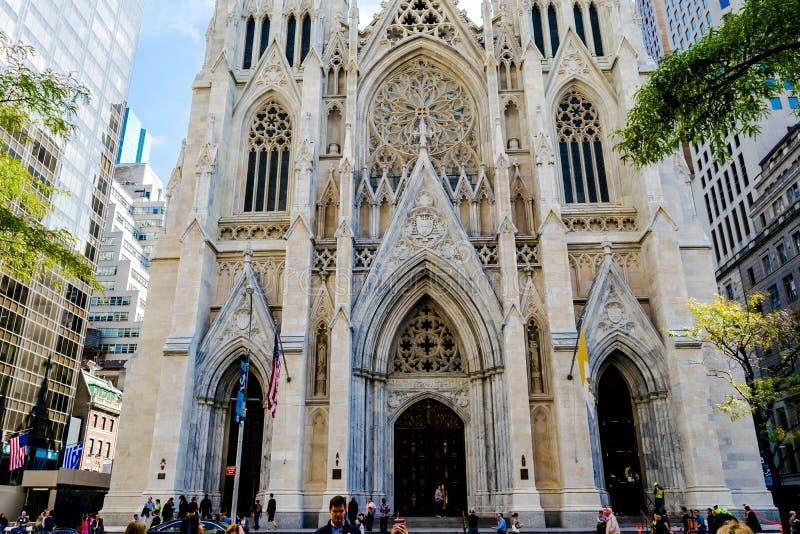 St Patrick & x27; cattedrale di s immagini stock