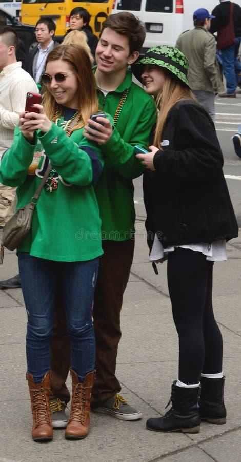St Patrick Tag Selfie NYC Tom Wurl stockfotografie