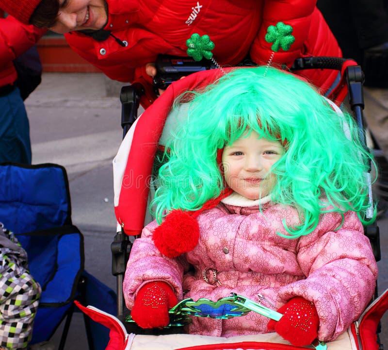 St Patrick Tagesparadezuschauer lizenzfreie stockfotografie