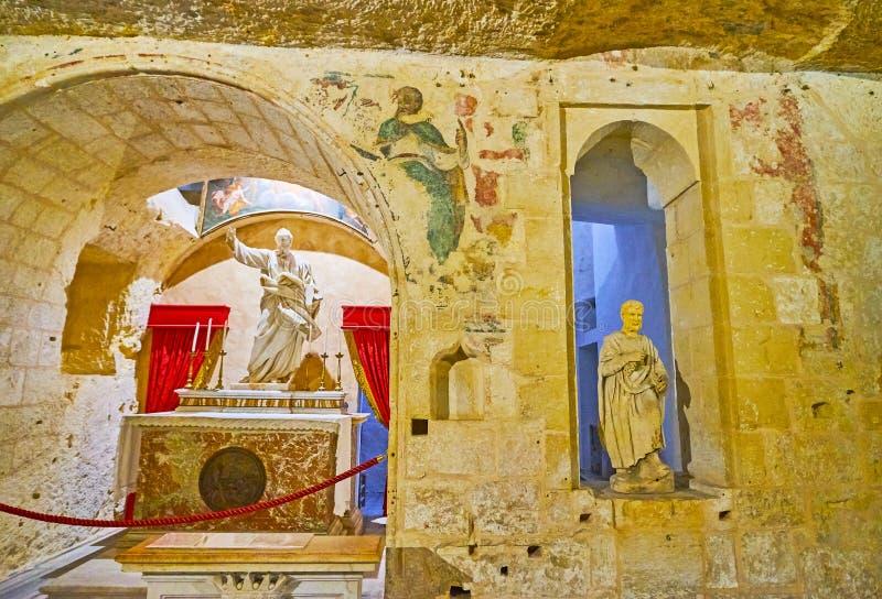 St Paul altaar in Grot, Rabat, Malta stock fotografie