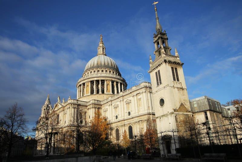 St Paul Cathedral in Londen Engeland het Verenigd Koninkrijk royalty-vrije stock afbeelding