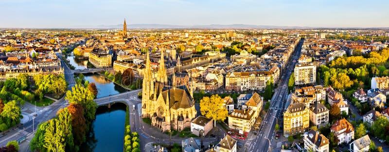 St Paul Church e catedral de Strasbourg - Als?cia, Fran?a imagens de stock