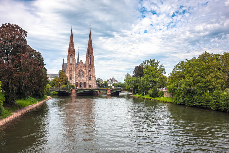 St Paul Church van de Zieke rivier in Straatsburg stock foto's