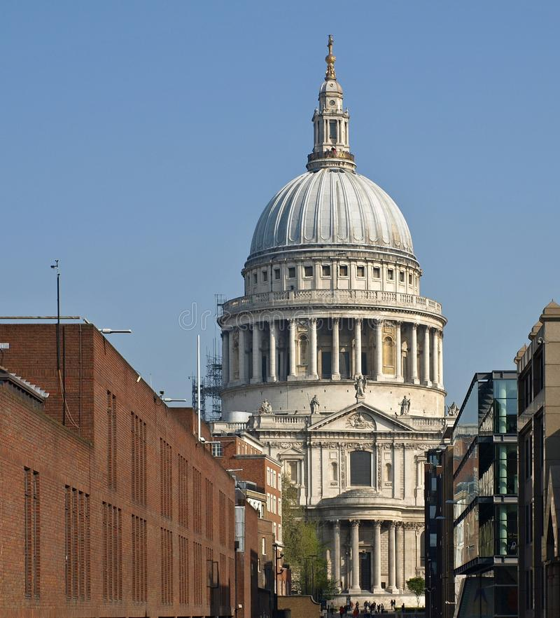 St Paul domkyrka i London arkivbild