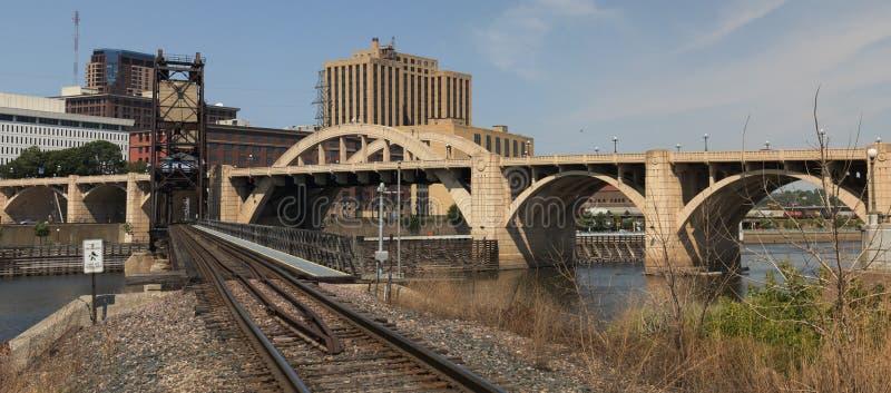 St Paul e pontes do centro foto de stock royalty free