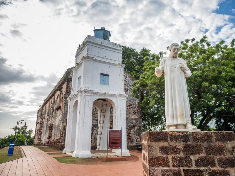 St Paul Kerk met een standbeeld van St Francis Xavier stock foto