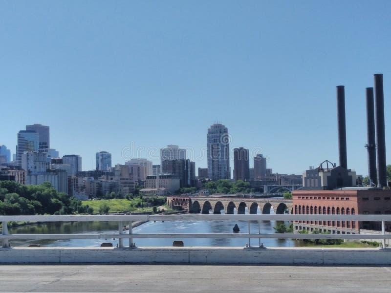 St Paul Minnesota di Minneapolis dell'orizzonte della città fotografia stock libera da diritti