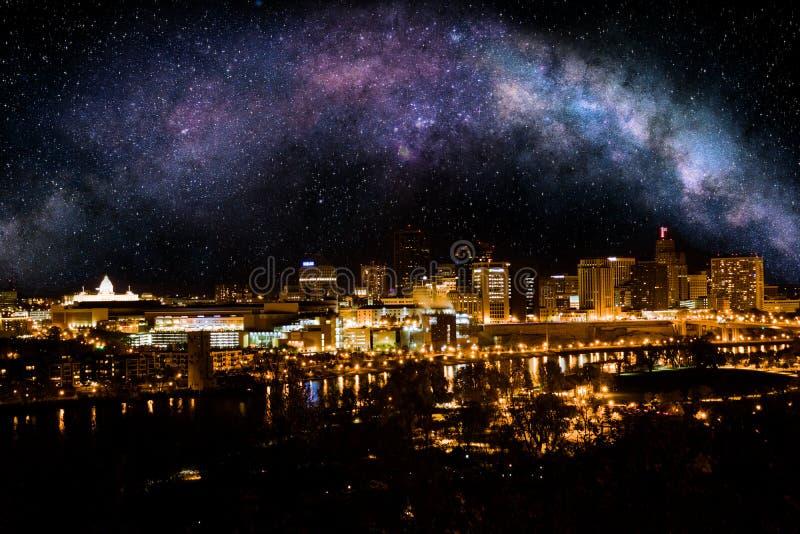 St Paul przy nocą fotografia royalty free