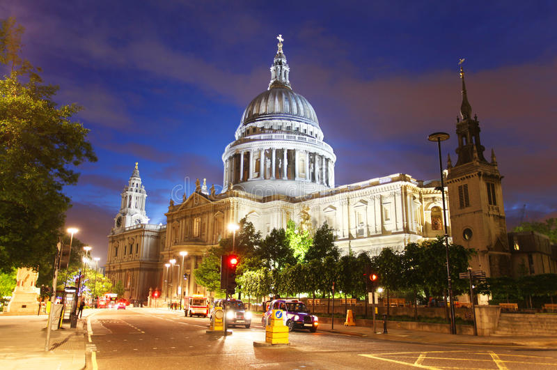 Download St. Paul's Cathedral In London Stock Image - Image: 25369989