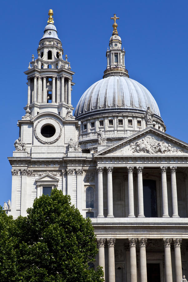 Download St. Paul's Cathedral In London Stock Photo - Image: 32402522