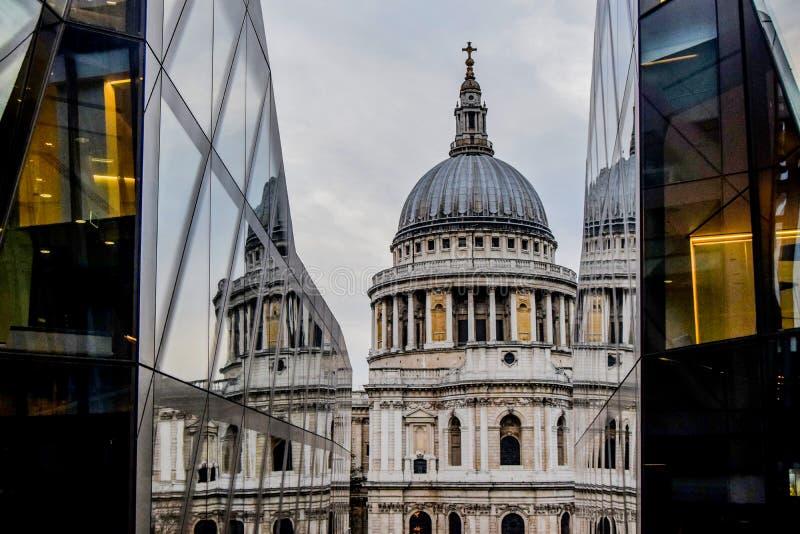 St Paul ` s Catherdal, Londyn zdjęcia stock