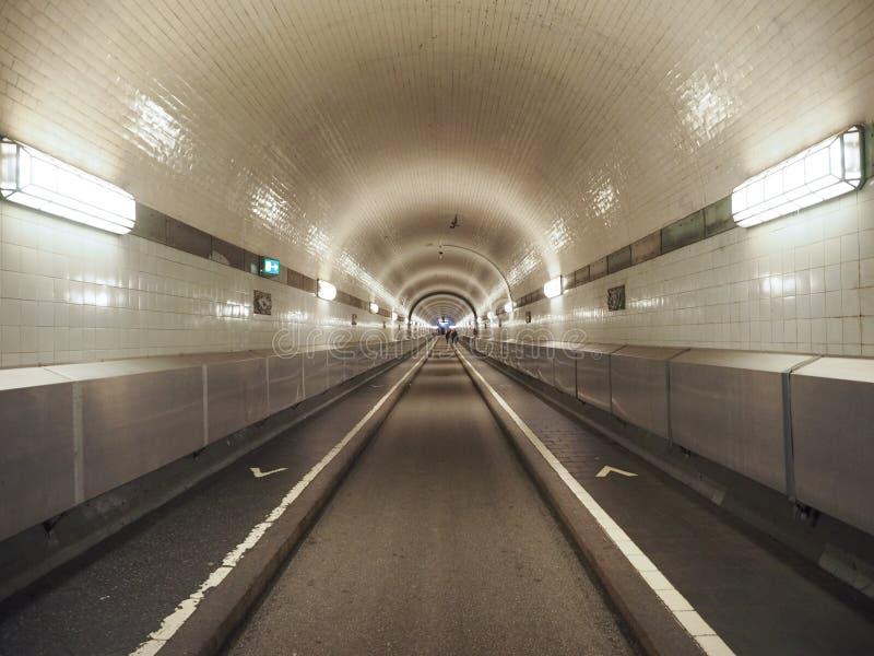 St Pauli Elbtunnel (St Pauli Elbe Tunnel) i Hamburg fotografering för bildbyråer