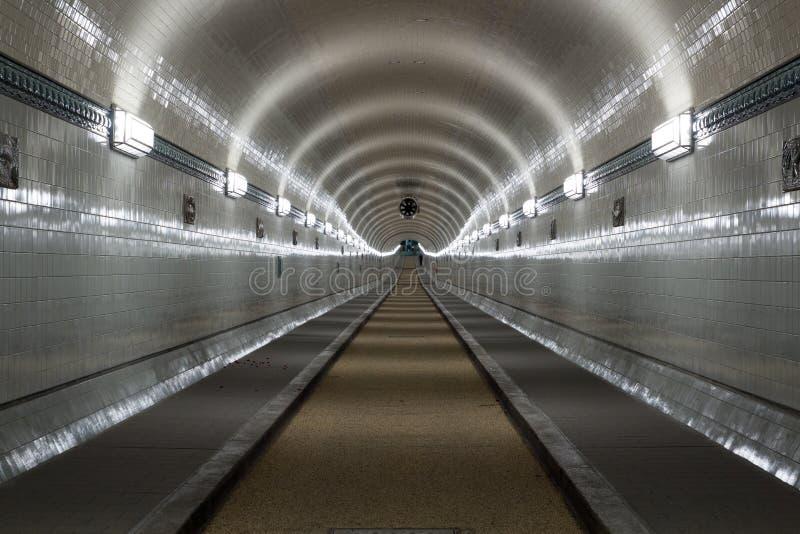 St Pauli Old Elbe Tunnel despu?s de la restauraci?n en Hamburgo, Alemania imagen de archivo