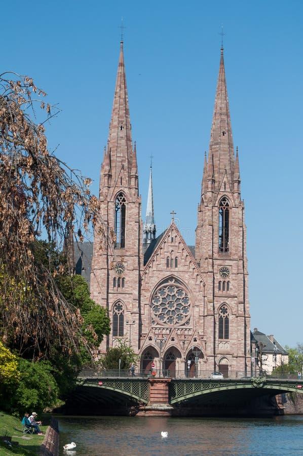 St- Paulkirche auf IL-Fluss lizenzfreie stockfotos