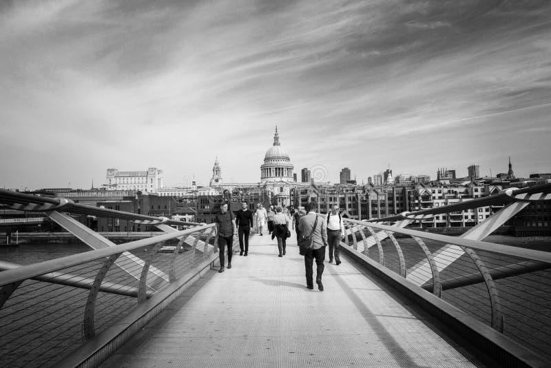ST Pauls που κοιτάζει από τη γέφυρα χιλιετίας, Λονδίνο Λονδίνο, Αγγλία, UK, την 1η Σεπτεμβρίου 2018 στοκ φωτογραφία με δικαίωμα ελεύθερης χρήσης