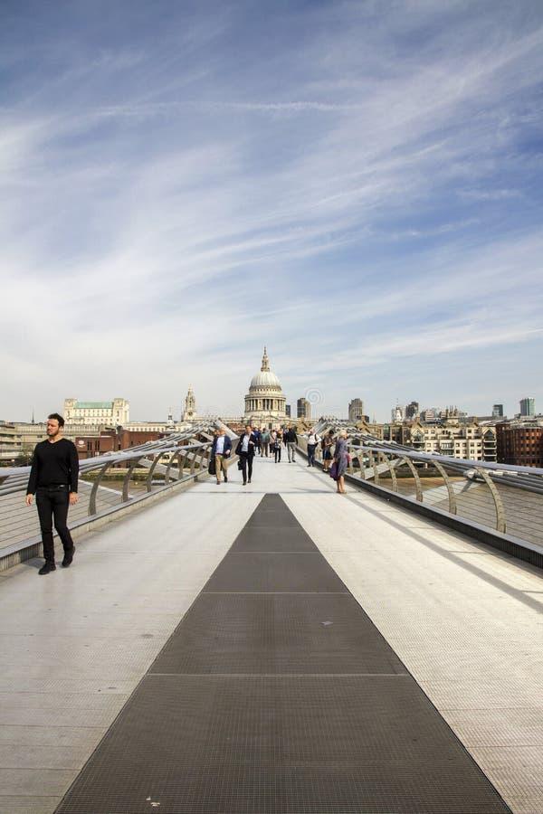 ST Pauls που κοιτάζει από τη γέφυρα χιλιετίας, Λονδίνο Λονδίνο, Αγγλία, UK, την 1η Σεπτεμβρίου 2018 στοκ εικόνες
