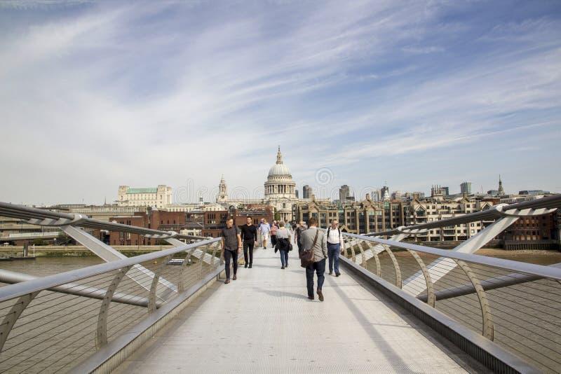 ST Pauls που κοιτάζει από τη γέφυρα χιλιετίας, Λονδίνο Λονδίνο, Αγγλία, UK, την 1η Σεπτεμβρίου 2018 στοκ φωτογραφία