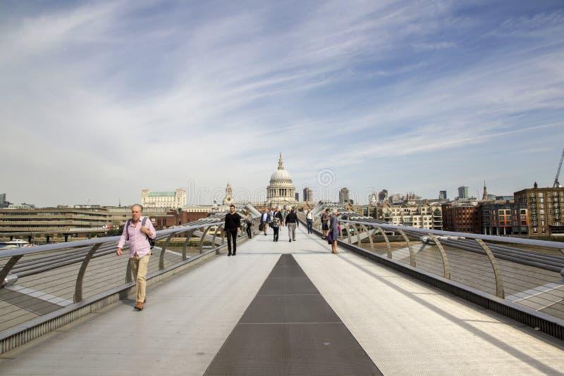 ST Pauls που κοιτάζει από τη γέφυρα χιλιετίας, Λονδίνο Λονδίνο, Αγγλία, UK, την 1η Σεπτεμβρίου 2018 στοκ εικόνα με δικαίωμα ελεύθερης χρήσης
