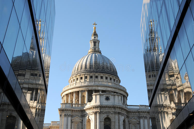Download St Pauls Cathedral In London Royalty Free Stock Photo - Image: 18033305