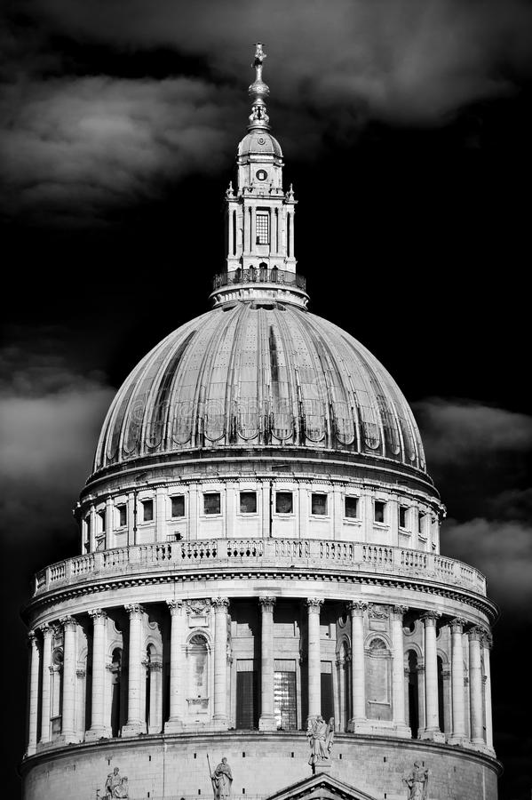 Download St Pauls Cathedral London (monochrome) Stock Image - Image: 23002537