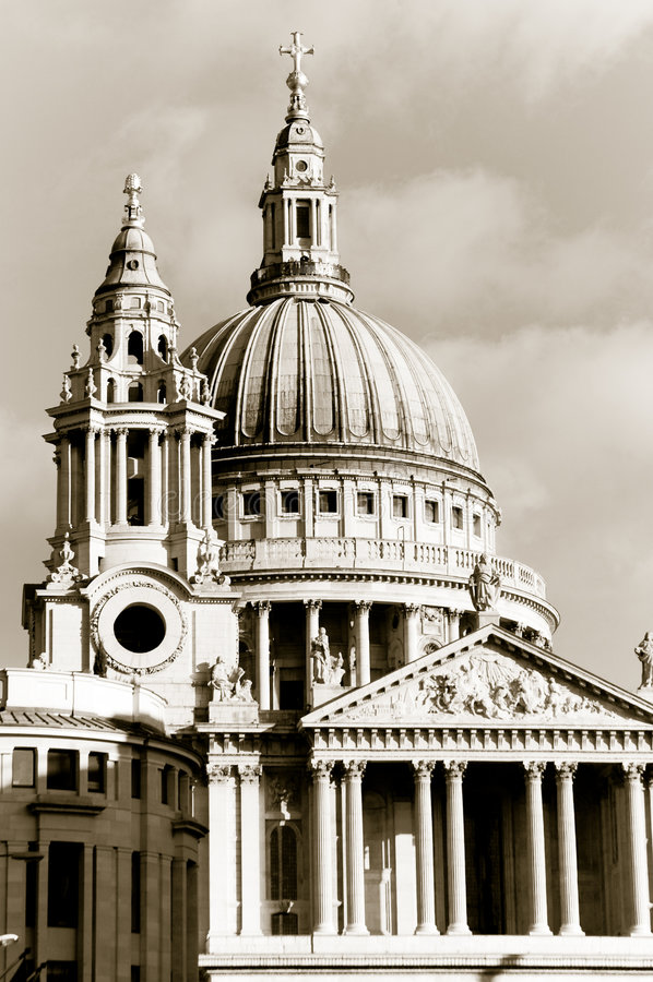 St Pauls Church - London, England royalty free stock photography