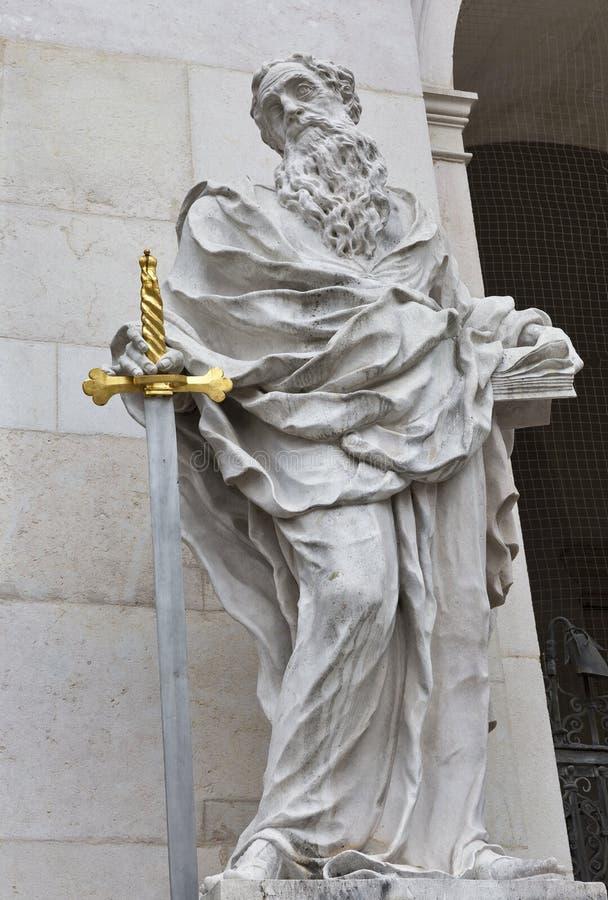 St- Paulstatue, Salzburg-Kathedrale bei Domplatz, Österreich lizenzfreie stockfotografie