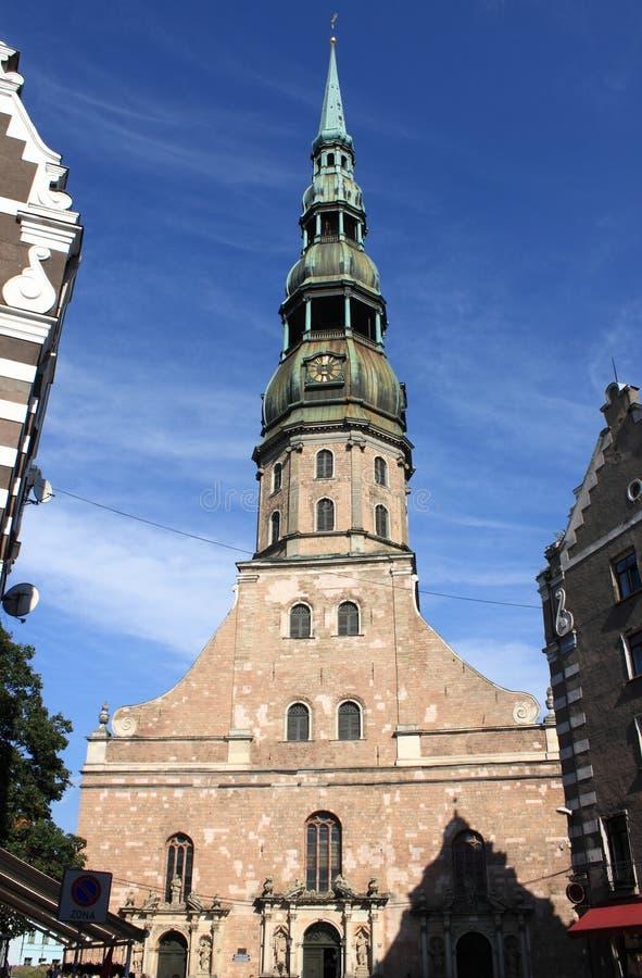 St Peter Cathedral em Riga fotografia de stock