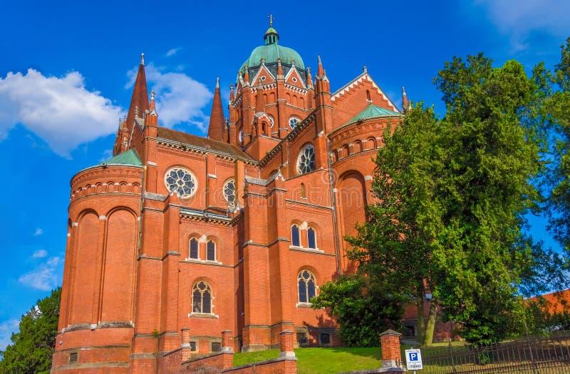 St Peter Cathedral en Djakovo, región de Eslavonia fotografía de archivo