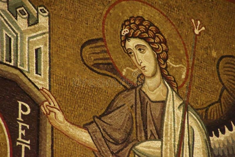St Peter et ange sur le mur de Capella Palatina image libre de droits
