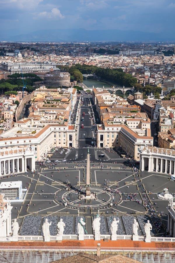 St Peter famoso & x27; s esquadra no Vaticano, vista aérea da cidade Roma, Itália fotos de stock