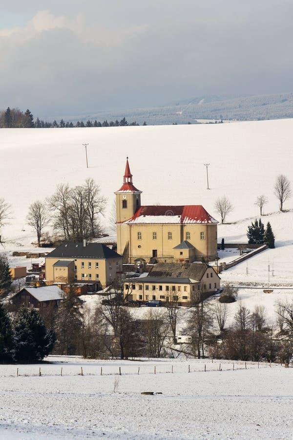 St Peter och Paul Church i Ceske Petrovice, Tjeckien royaltyfri fotografi
