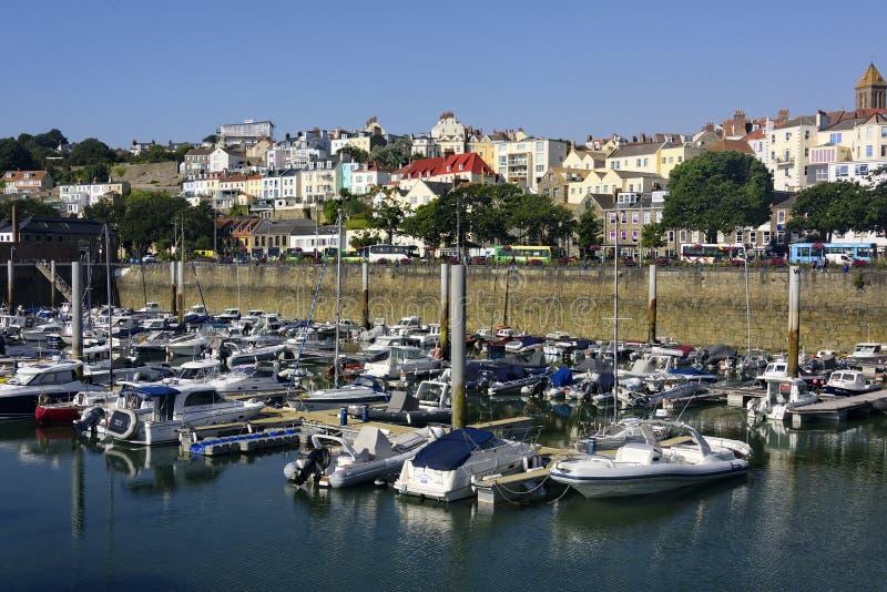 St Peter Port em Guernsey, Reino Unido imagem de stock