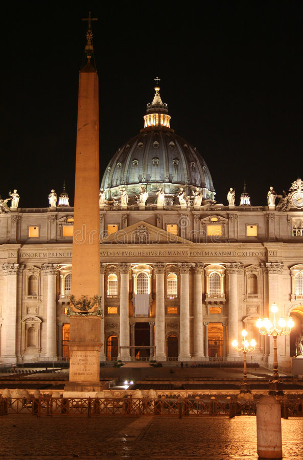 St. Peter (Rome-Italië) Nacht stock afbeelding