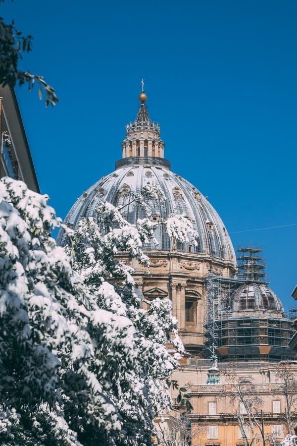 St Peter ` s śnieg zdjęcia royalty free