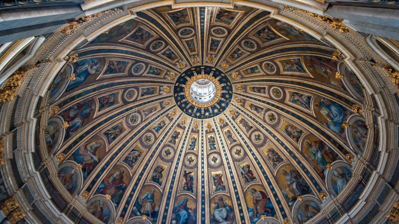 St Peter `s Basiliek stock fotografie