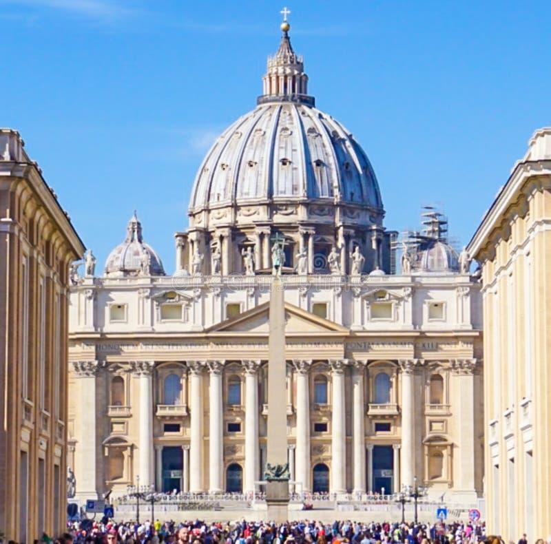 St- Peter` s Basilika in der Vatikanstadt, Italien lizenzfreies stockbild