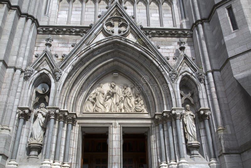St Peter & x27; s-kyrka; Drogheda royaltyfri fotografi