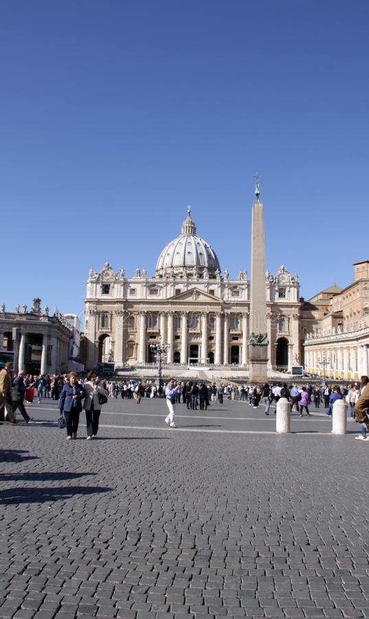 Download St. Peter's Square Tourists Editorial Stock Photo - Image: 23987203