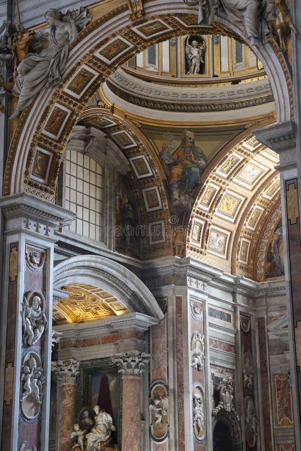 St Peter in Vatikan stockfotos